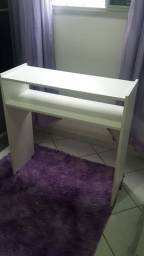 Vendo mesa de manicure (80x77x30 cm)