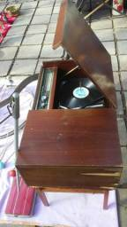 Eletrola Philips antiga