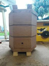 Caixa sextavada , abelha , mandaçaia