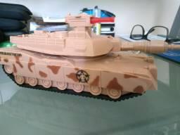 Brinquedo tanque de guerra