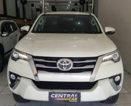 Toyota Hilux SRX 4X4 2.8 7 Lugares 2017 - 2017