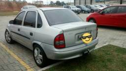 Gm - Chevrolet Corsa Sedan 1.6 8v 2005 - 2005