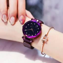 Relógio com pulseira magnética