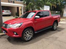 Toyota Hilux SRV 2017 Baixa km - 2017