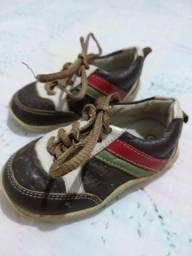 Lote de calçados para bebê