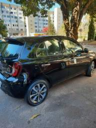 Nissan March 1.6 16v SL automático