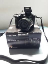 Camêra Fujifilm Finepix S4800