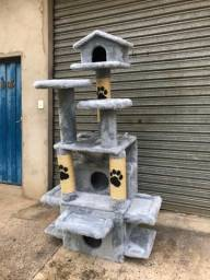 Arranhador para gato,sem uso, entrega é totalmente grátis campinas e região