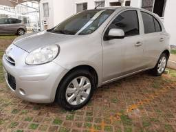 Vendo Nissan March