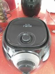 Fritadeira sem óleo! NOVA sem uso voltagem 220vlts,  2, 9lt