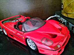 Carrinho de ferro Ferrari edição colecionador