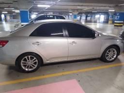 Vendo um Kia cerato 2012