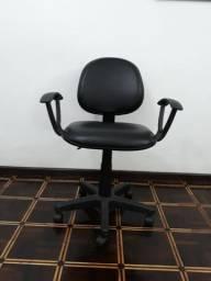 Cadeira de Escritório Giratória Reforçada com Lâmina de Aço e Braços Home Office
