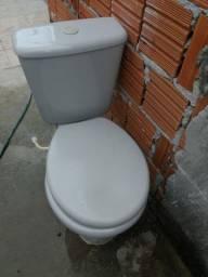 Vaso sanitário com caixa acoplada. ( Usado)