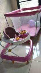 Andador + chiqueirinho rosa
