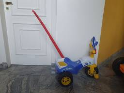 Triciclo Infatil Magic Toys Policia Com Empurrador