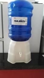 Suporte de água com galão