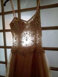Vendo vestido de festa usado 1 vez. Por 300