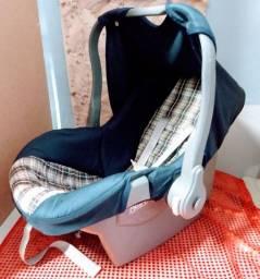 Bebê conforto Tutti baby. Com brinde