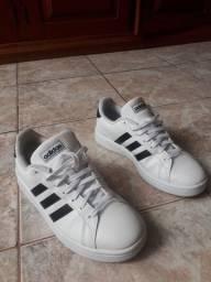 Vendo tênis da Adidas semi novo