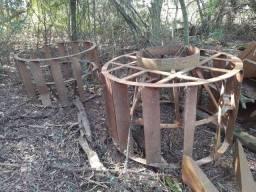 Grade hidráulica, arado, roda de ferro...LEIA O ANÚNCIO