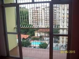 Aptº no Fonseca - centro 3 quartos frente rua principal. Condomínio Santa Edwirges