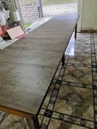 Mesa elástica de madeira