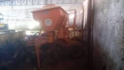 Adubador de cana dmb 2300 L - ano 2012