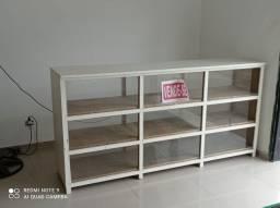 Bancada ( balcão ) de madeira com mostruário de vidro 52 x 110 x 220 cm