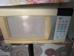 Microondas Electrolux 23ltr