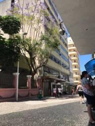 Alugo sala em edifício comercial no Centro de Florianópolis