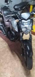 Vendo Moto Black Fazer 250 ano 16/17