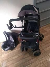Vendo carrinho + bebê conforto Tutti baby