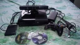 Xbox 360 Super Slim completo, desbloqueado e usado