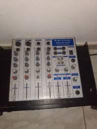 Vende-se uma mesa de som de quatros canais e um TPX DE dois canais A e B
