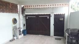 Excelente casa Duplex de 2 quartos com piscina - Jd Primavera - Duque de Caxias