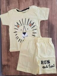 Conjunto bebê blusa e bermuda tamanho M