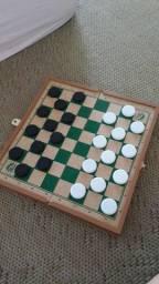 Jogo seminovo xadrez e dama