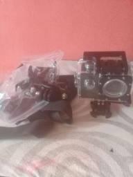 Vendo camera grava videos e tira fotos em hd.