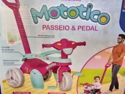 Triciclo de passeio com pedal