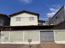 Alugo apartamento bairro Santa Rita