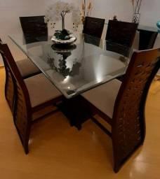 Vendo mesa com aparador e cadeiras