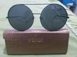 Vendo óculos femenino  FENDI , usado só uma ver
