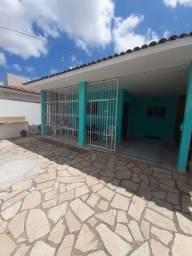 COD C-61 Casa no bairro Jose Américo 3 quartos bem localizada