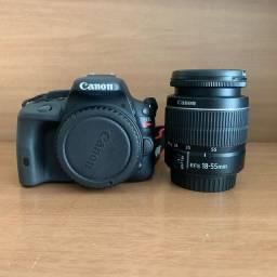 Canon SL1 com lente 18-55mm do kit