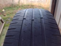Dois pneus 195/60 r15 Michelin