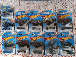 Hot Wheels Batman Batmovel Lote com 11 miniaturas novas lacradas!