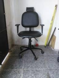 Vendo cadeira pra salão reclinável