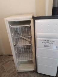Forno industrial / freezer / balcão madeira