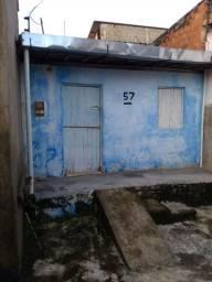 Casa bem localizada no Barro duro em Maceió!